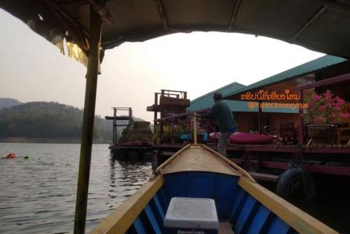 cmhouseboat-17